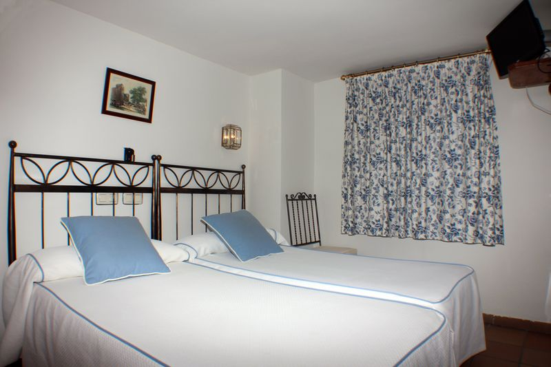 Pictures of the rooms of this beautiful guest house in the historic center of Toledo, 150 meters from Plaza Zocodover and 2 minutes walk from the cathedral